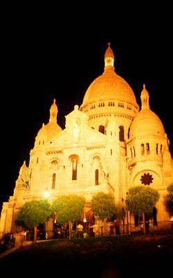 Sacre-Coeur Basilica can be found on the 130m high hill of Montmartre